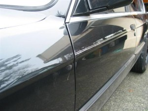 How to Remove a Cars Pinstriping 300x224 How to Remove a Cars Pinstriping